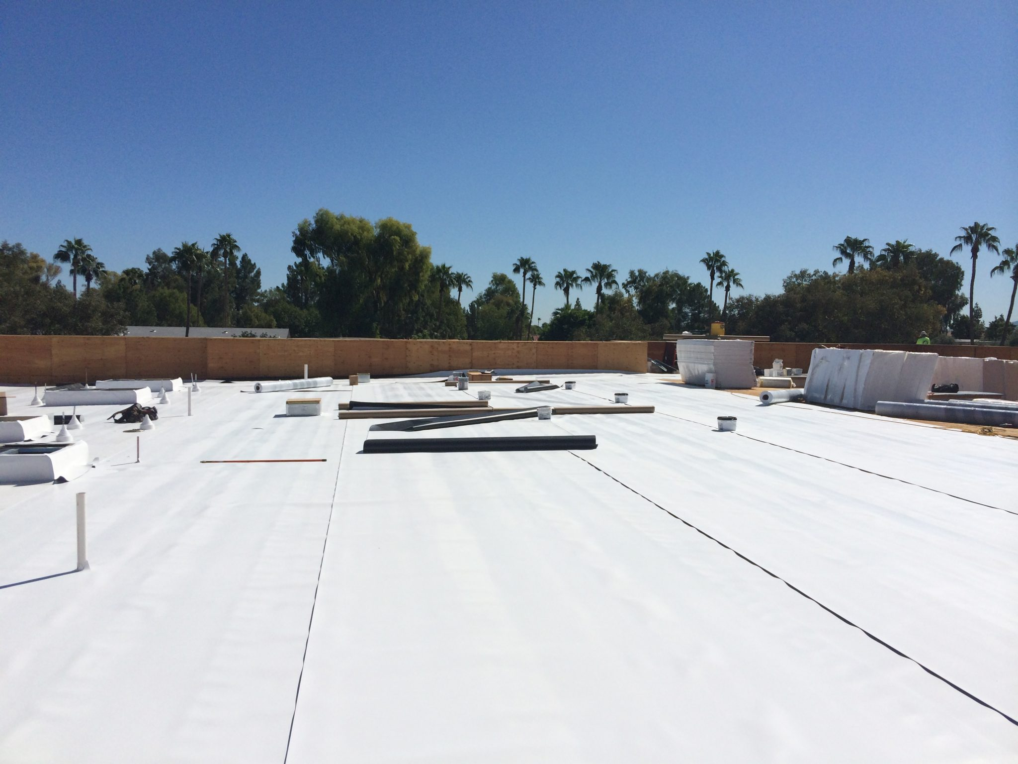 InsulRoof SP: Low-Sloped Roofing Solution for Arizona Commercial Project